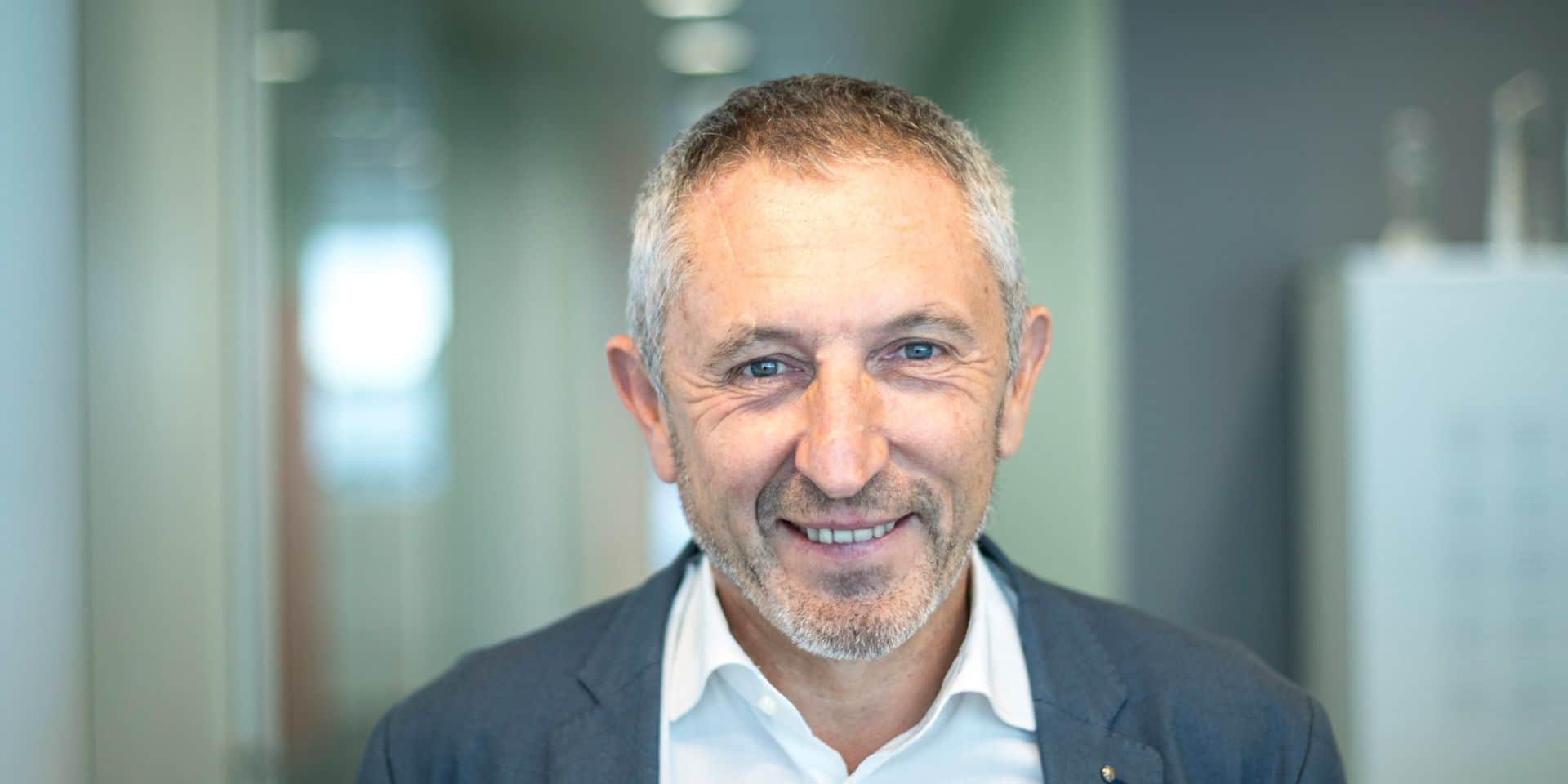"""Restaurant, voiture """"plus verte"""" et absence de remise en concurrence : les détails du rapport qui remue l'aéroport de Liège"""