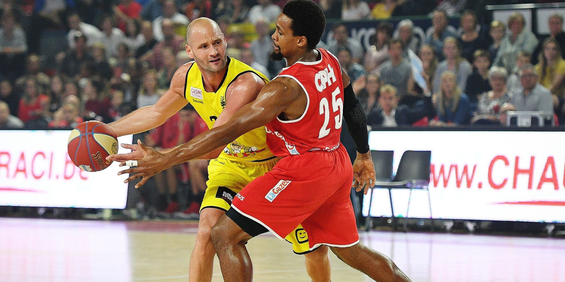 Oostende's Dusan Djordjevic and Charleroi's Cliff Hammonds pictured in action during the basketball match between Spirou Charleroi and BC Telenet Oostende, Friday 12 October 2018 in Charleroi, the third game of the 'EuroMillions League' Belgian first division. BELGA PHOTO DAVID STOCKMAN