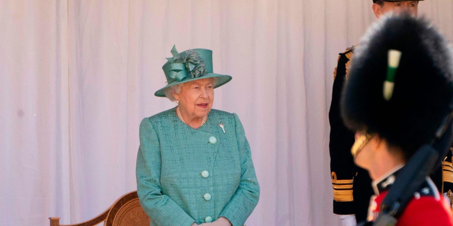 Elizabeth II doit serrer les cordons de la bourse