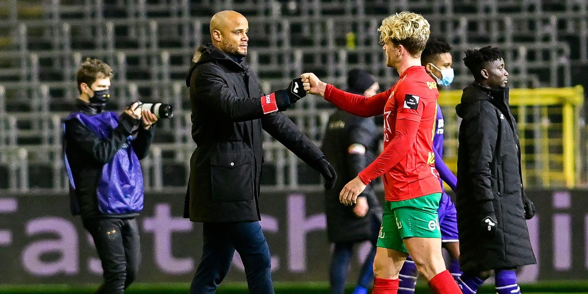 """Kompany salue ses joueurs: """"Ils ont travaillé comme des fous"""""""