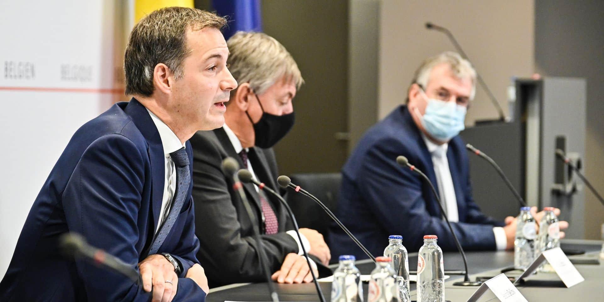 Pas de confinement, mais des mesures un poil plus strictes : le retour du compromis à la belge