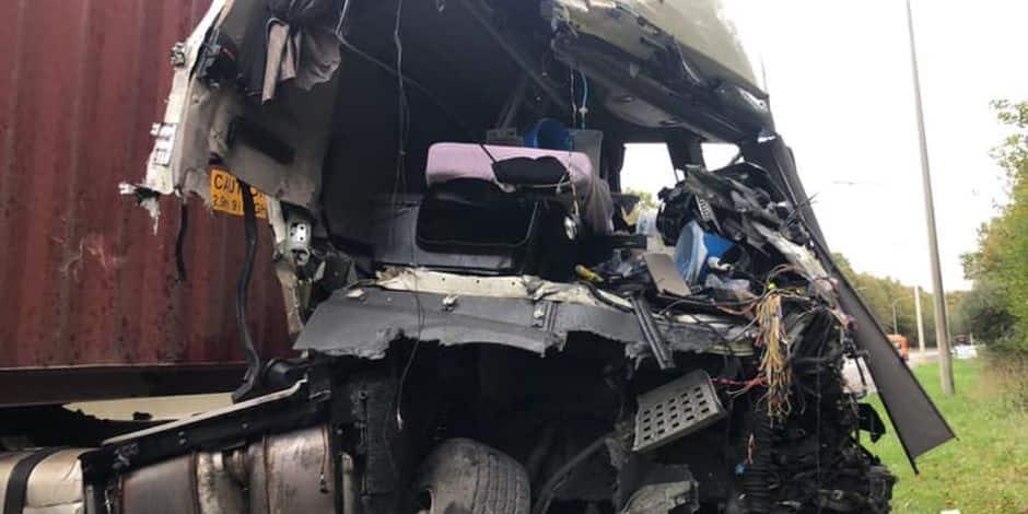 Collision entre deux camions sur la N5 à Roly: des dégâts très impressionnants !