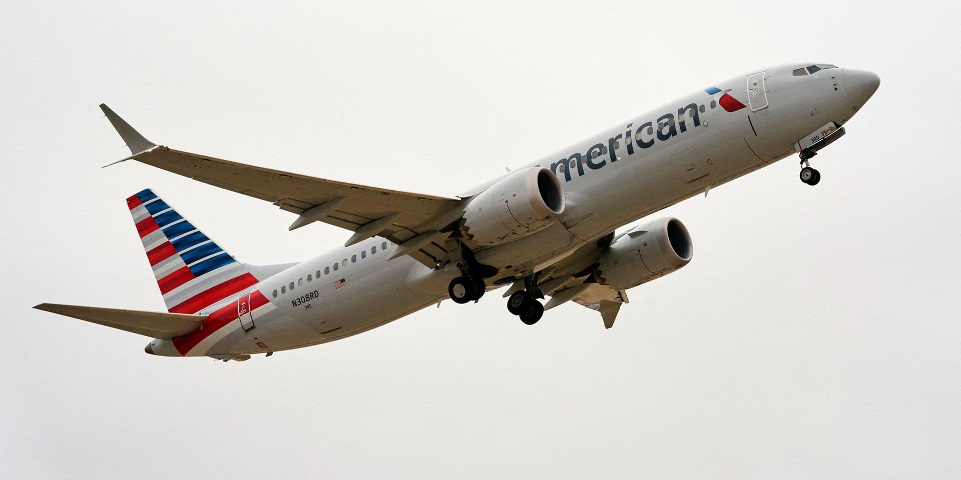 Pour s'excuser du retard, un pilote d'un avion de ligne offre des pizzas à tous les passagers