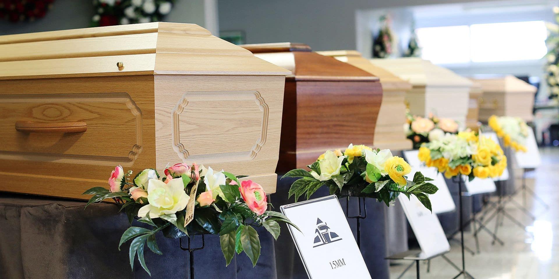 """Cri d'alarme des pompes funèbres: """"Si nos employés ont peur, à qui va-t-on faire appel pour enterrer les morts?"""""""