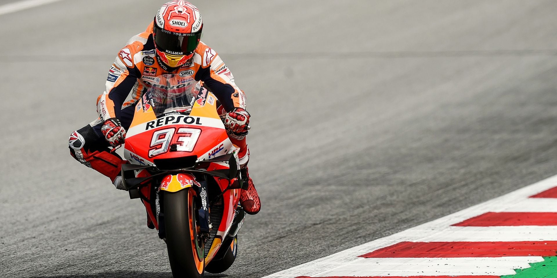 Repsol Honda Team's Spanish rider Marc Marquez rides his motorbike during the qualifying session of the Austrian Moto GP Grand Prix in Spielberg on August 10, 2019. (Photo by VLADIMIR SIMICEK / AFP)
