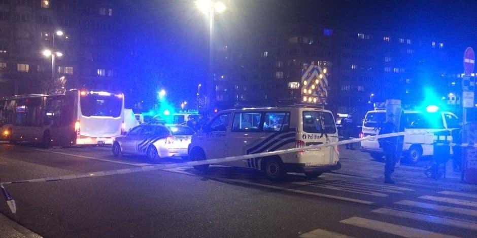 """Percuté par un bus à Ixelles : Pour le bourgmestre, """"il faut repenser la mobilité de la place Flagey"""""""