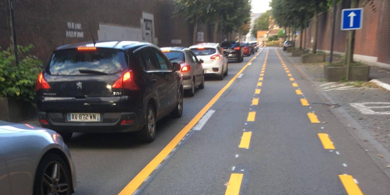 Pour les cyclistes gonflés à bloc, la ville de Mons n'en fait pas assez