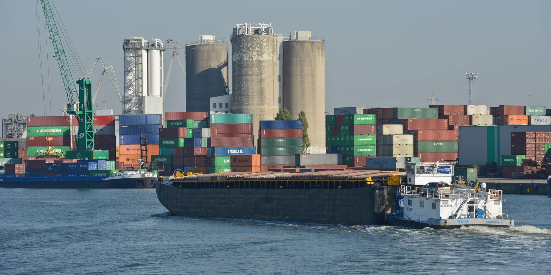 Un bateau a heurté un pont à Anvers