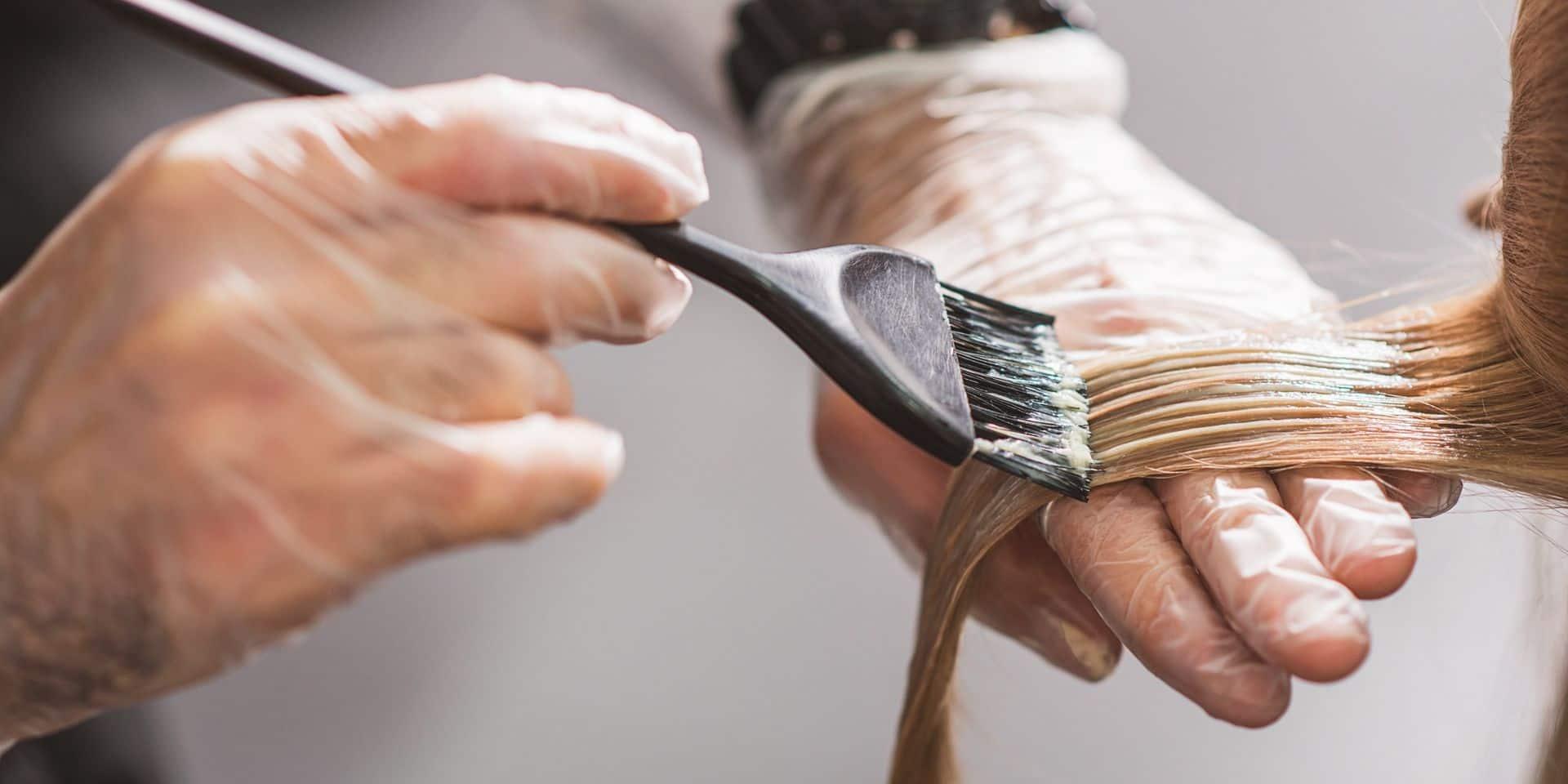 Le coronavirus peut-il induire de nouvelles allergies? Des salons de coiffures alertent sur d'étranges réactions aux produits capillaires