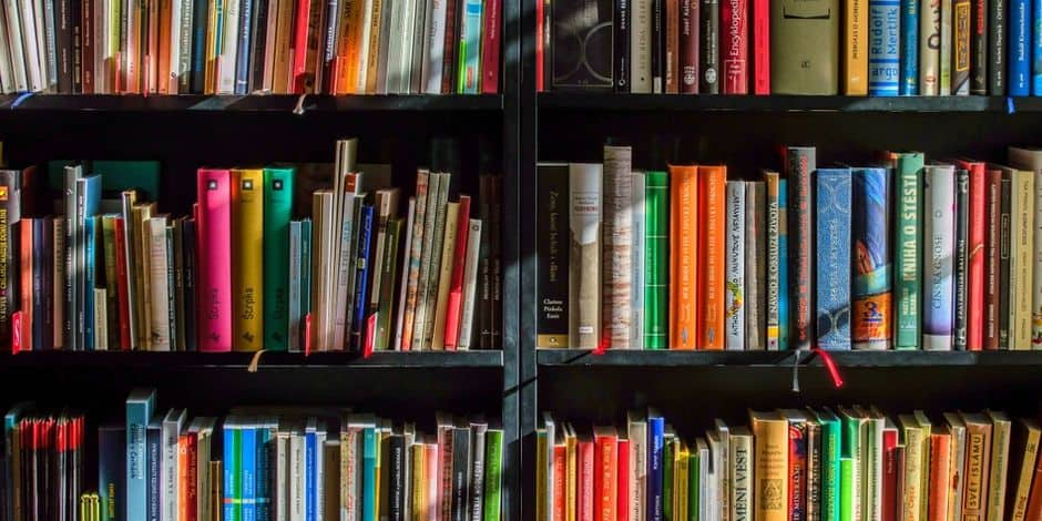 La Ville de Mons ouvre gratuitement ses bibliothèques aux étudiants