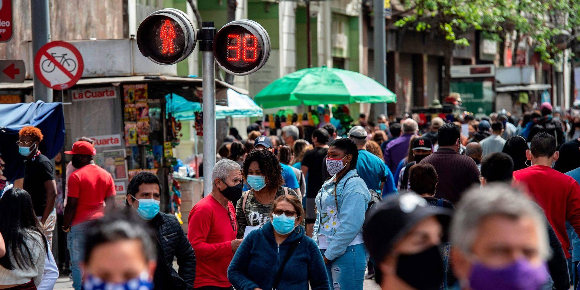 """""""Dangereux"""", """"contraire à l'éthique"""", """"une erreur"""": 80 scientifiques démontent la stratégie de l'immunité collective"""