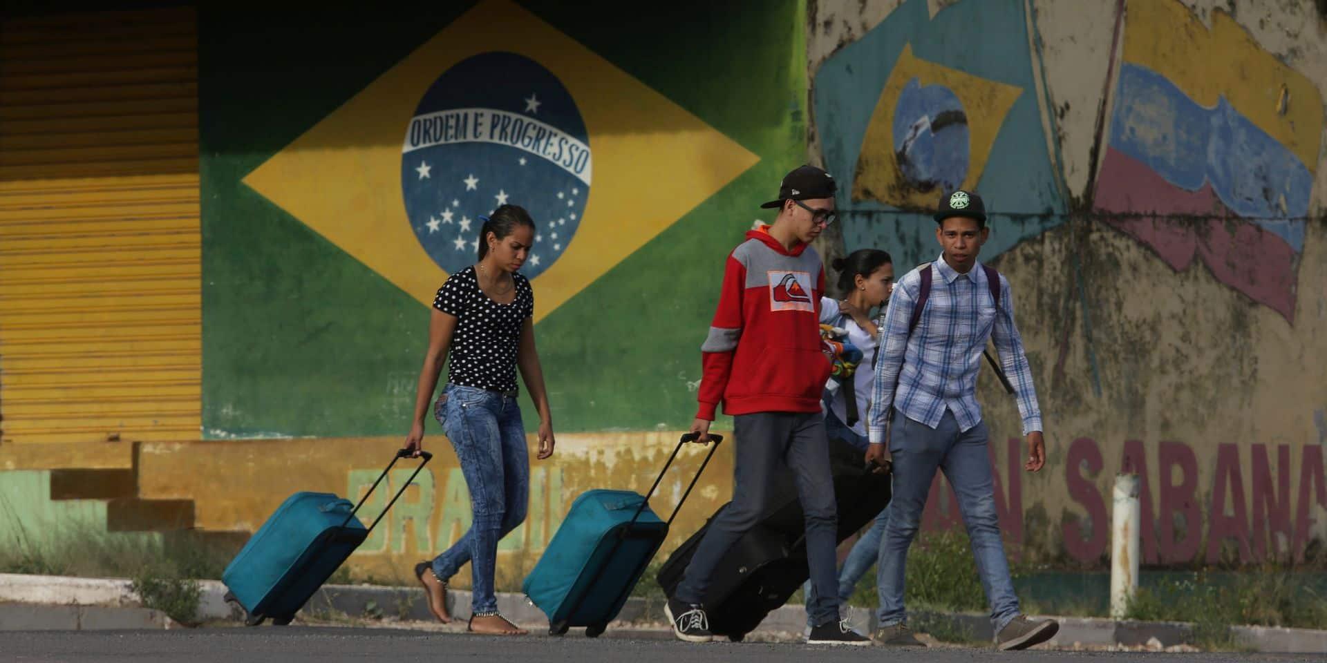 Un camp de migrants vénézuéliens attaqué au Brésil