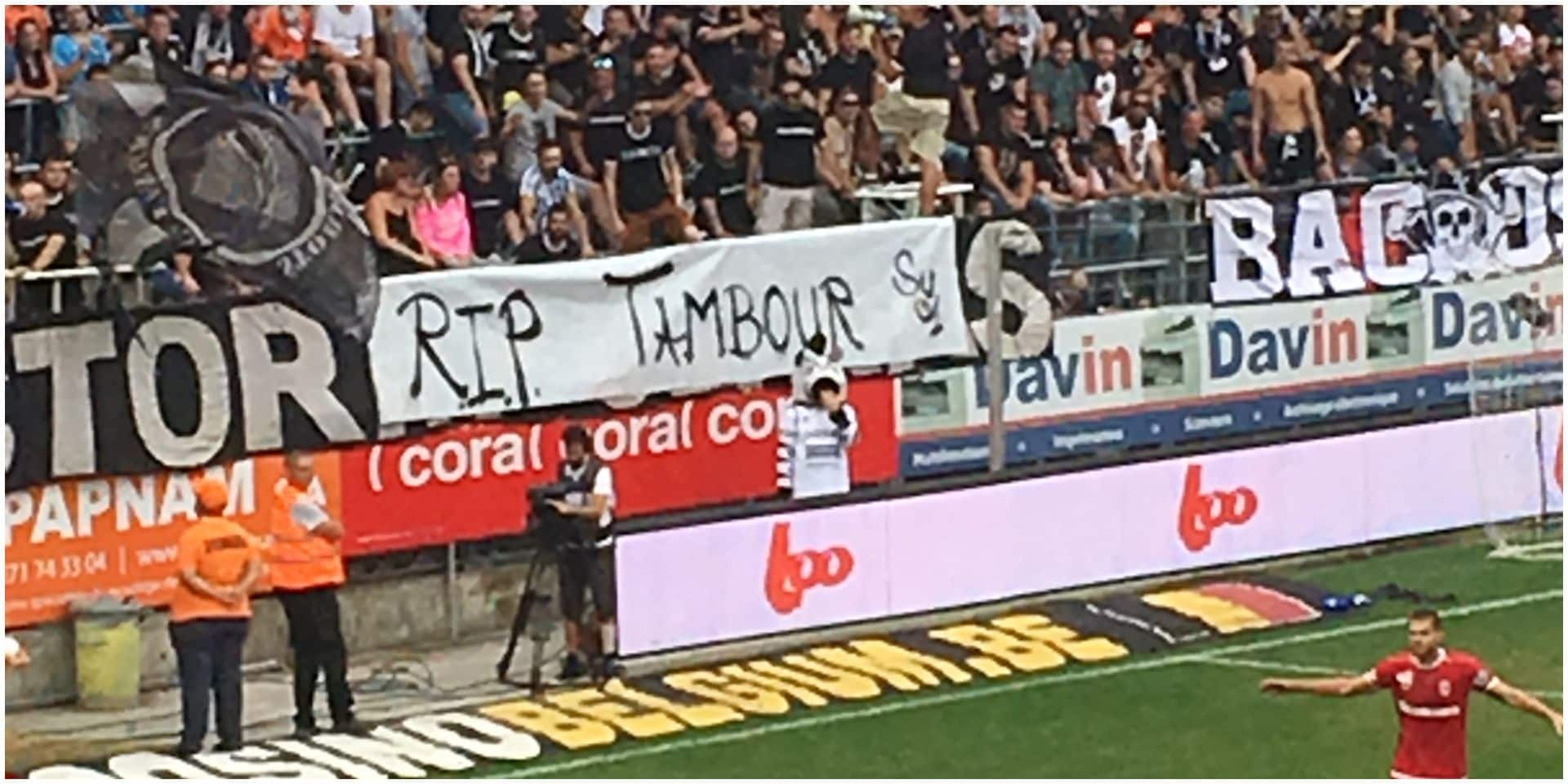 Le beau geste des supporters carolos avec cet hommage à Tambourg, supporter du Standard décédé