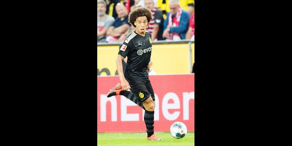 Axel WITSEL (DO) with Ball, single action with ball, action, full figure, upright, football 1. Bundesliga, 2. matchday, 1.FC Cologne (K) - Borussia Dortmund (DO) 1: 3, on 23.08.2019 in Cologne, Germany. ¬ | usage worldwide Reporters / DPA