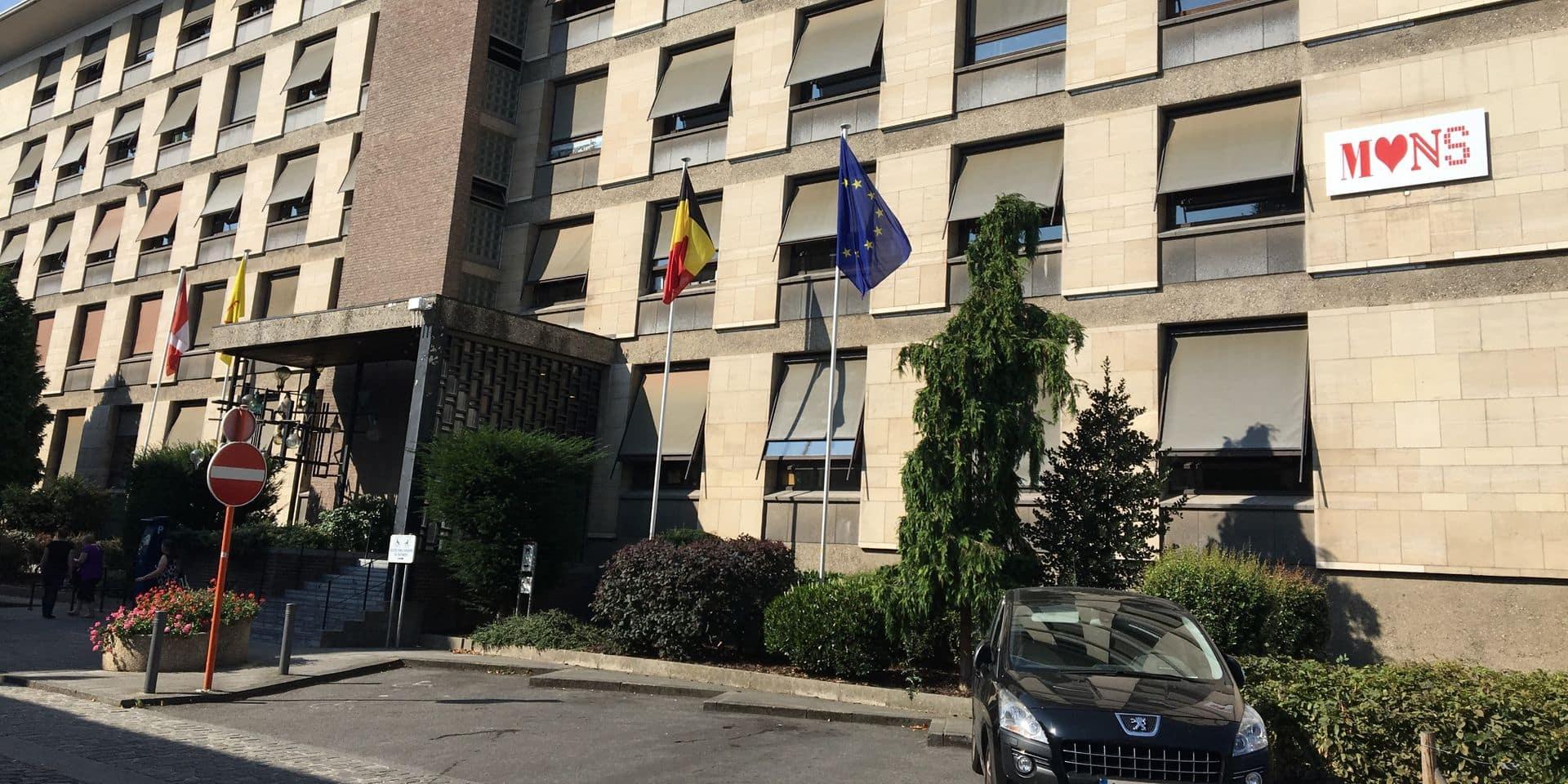 Affaire des faux titres de séjour à Mons : l'ancien chef de service écope de 12 mois avec sursis