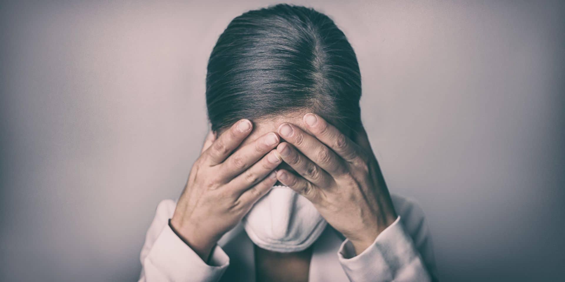 Anxiété, troubles de l'humeur... Une personne sur trois qui a surmonté le Covid-19 souffre de problèmes psychologiques ou neurologiques ultérieurs