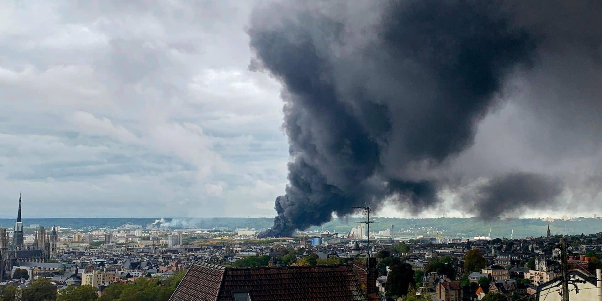 Incendie d'une usine Seveso à Rouen: Un protocole de suivi a été mis en place en Wallonie, assure Elio Di Rupo