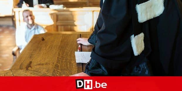 Photo d'illustration - Illustration picture Avocat dans un tribunal avec les justitiables. Reconstitution d'une comparution au tribunal. Credit: JMQuinet/Reporters Reporters / QUINET