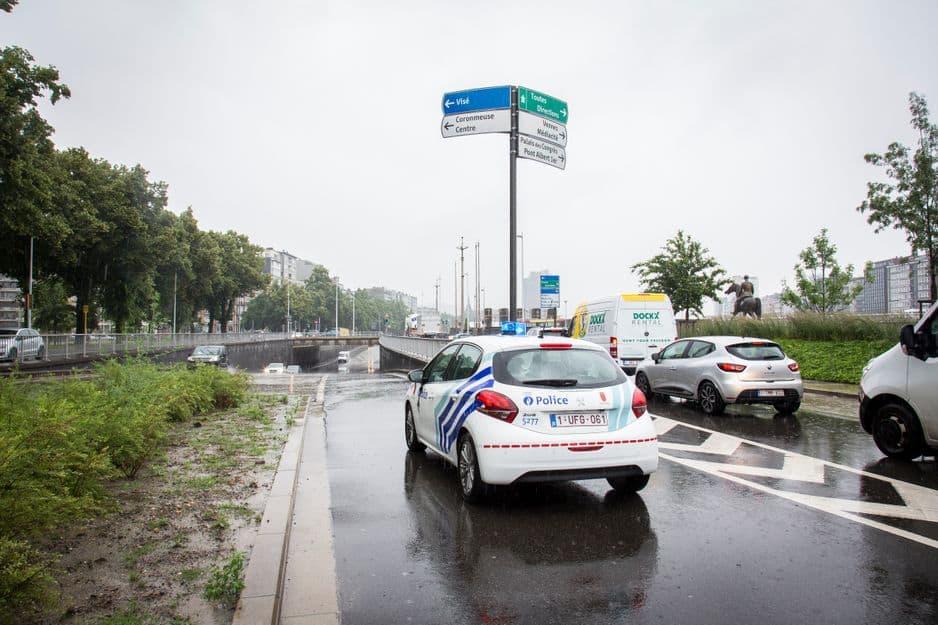 LIEGE. LA TREMIE ORBAN EST FERMEE CAR ELLE EST SOUS EAUX SUITE AUX INONDATIONS. Photo Michel Tonneau