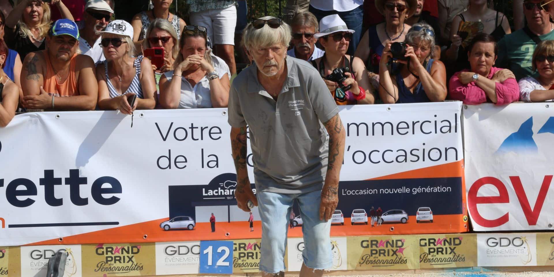 """Dave explique pourquoi Renaud tremble """"comme s'il avait la maladie de Parkinson"""""""