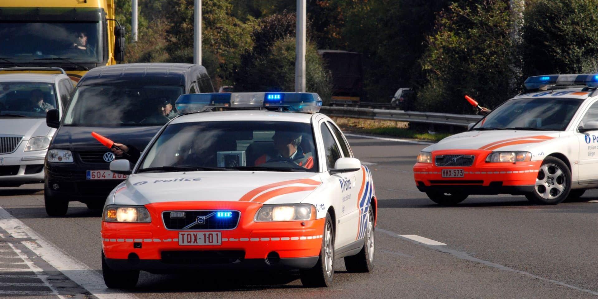 Un motard perd la vie sur la E40: une conductrice fantôme est à l'origine de l'accident