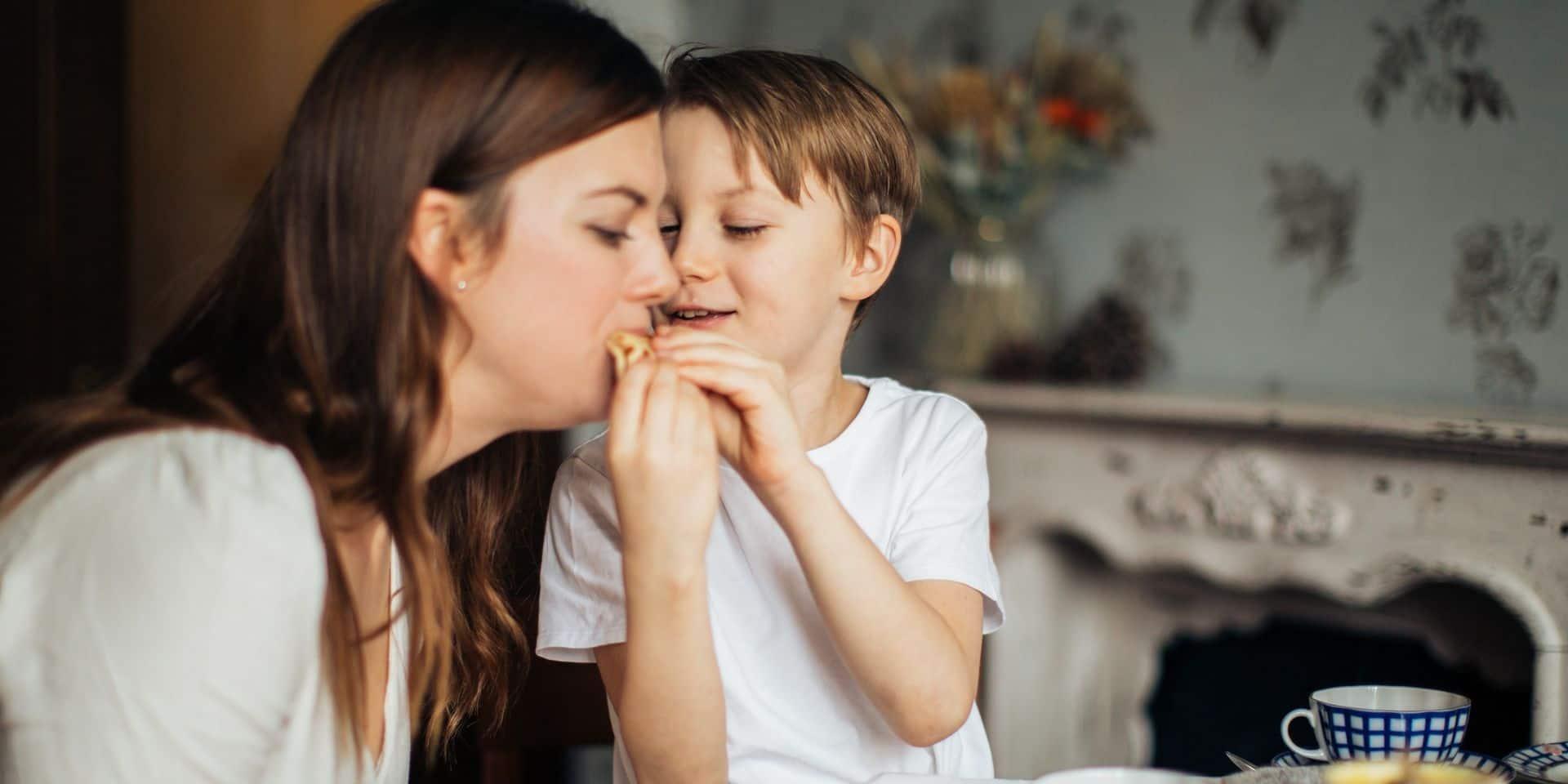 Comment freiner le grignotage quand on est confiné chez soi avec le travail, les enfants, l'ennui