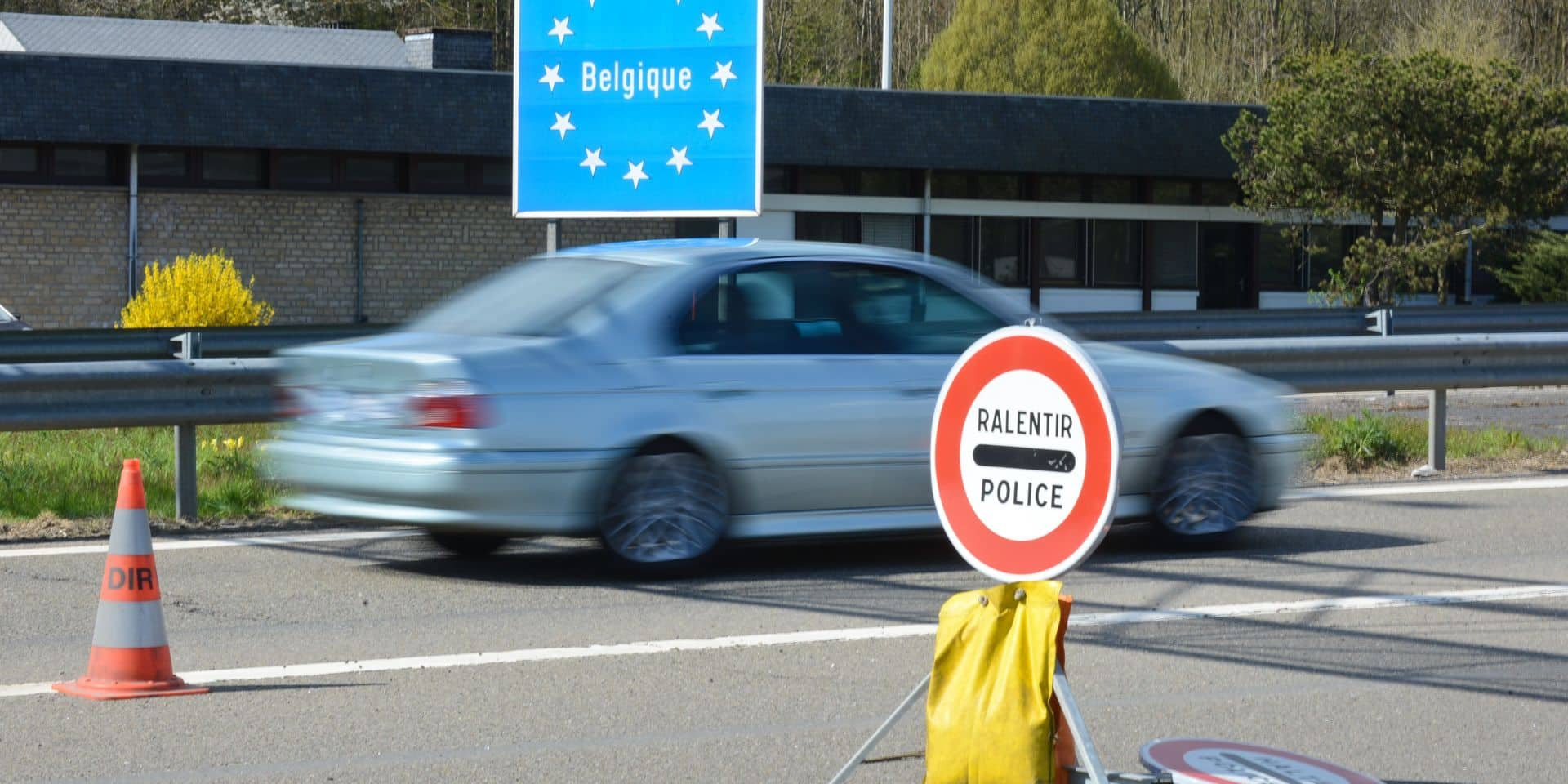 """Selon Annelies Verlinden la fermeture des frontières doit être le dernier recours: """"Cela comporterait un certain nombre d'inconvénients importants"""""""