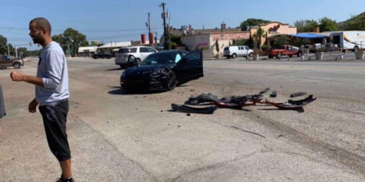 Tony Parker, victime d'un accident, crashe sa Porsche aux USA