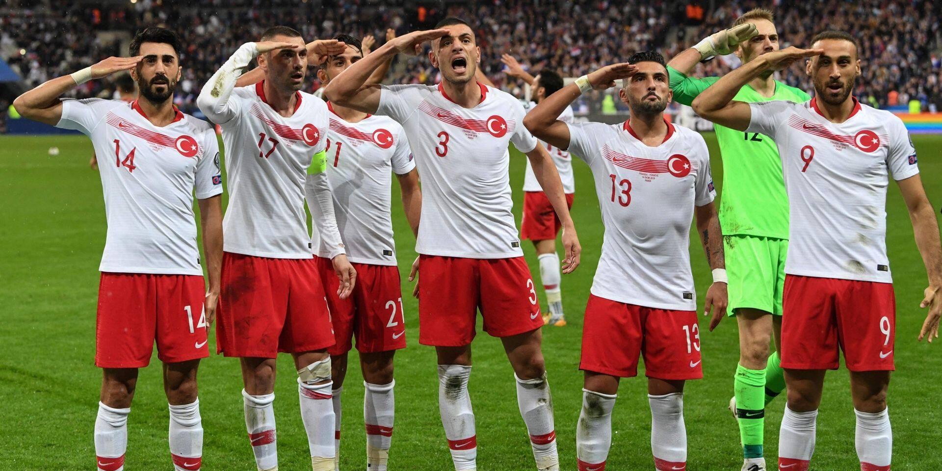 Salut militaire: Erdogan s'en prend à l'UEFA
