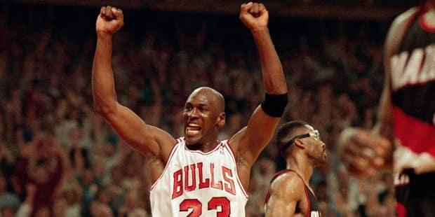 le dernier 97261 a0889 Michael Jordan élu meilleur joueur de tous les temps par ses ...