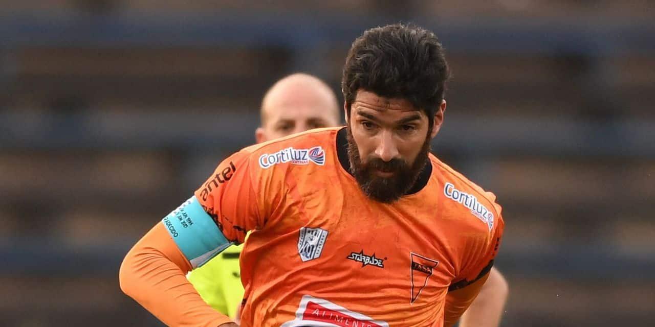 """Après avoir porté le maillot de 31 clubs, l'Uruguayen Sebastian Abreu, le """"Loco"""", s'arrête"""