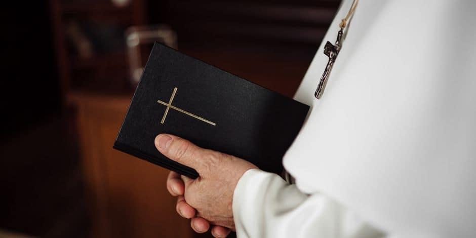 Un prêtre italien de 72 ans se sacrifie en cédant son respirateur à un patient plus jeune