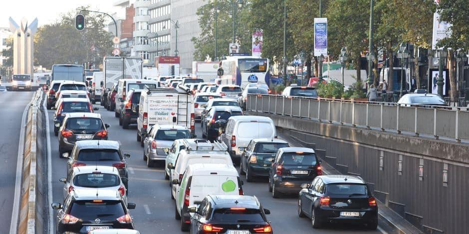 Covid-19 : les Bruxellois ont peur de remonter dans les transports en commun