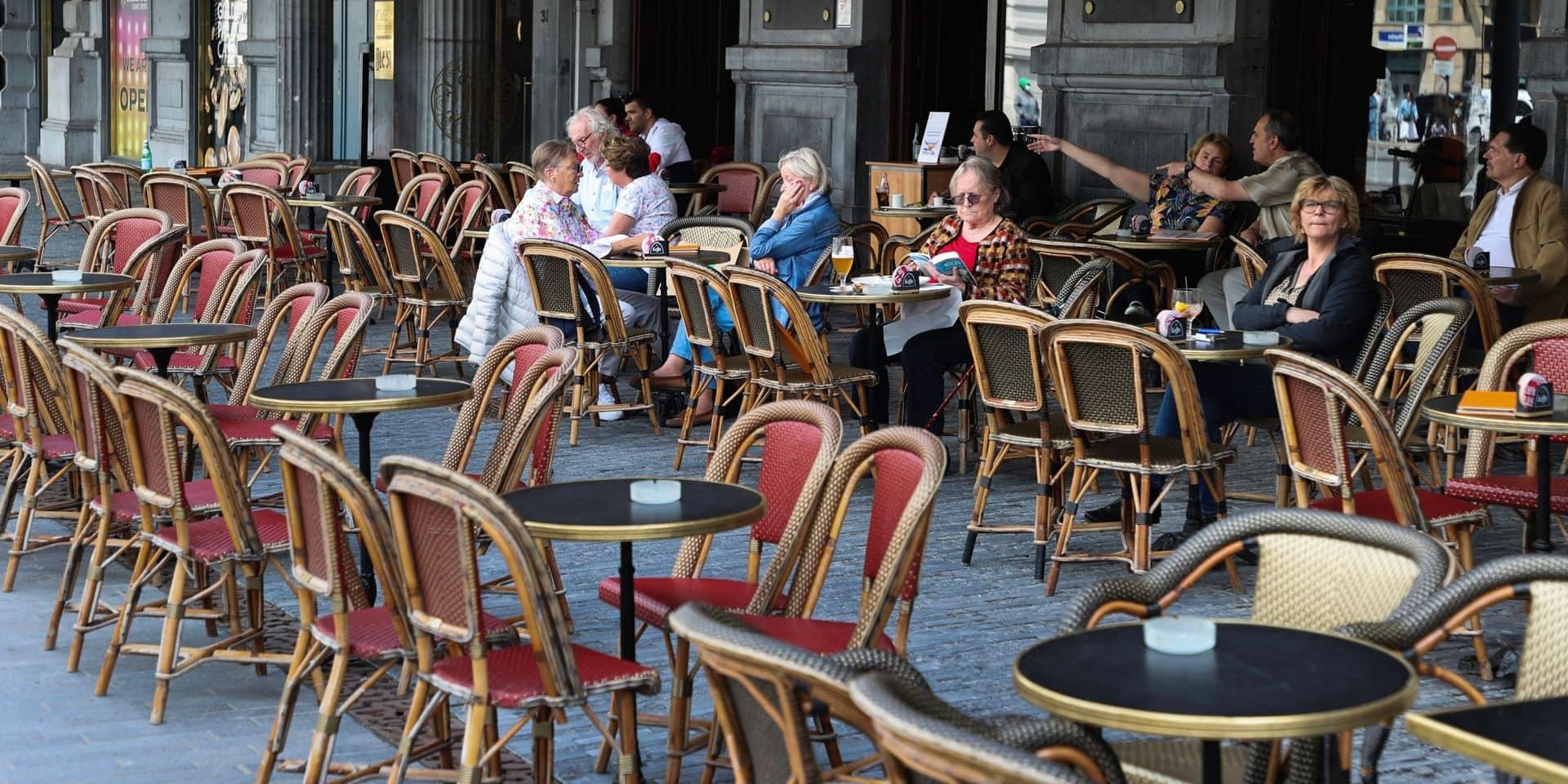 On a voulu boire un verre au Café Métropole...