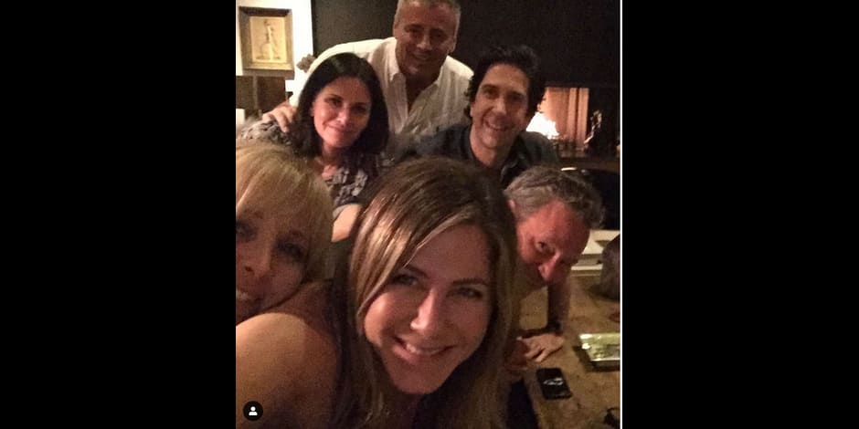 """Jennifer Aniston affole la Toile avec sa publication Instagram: les acteurs de """"Friends"""" réunis !"""