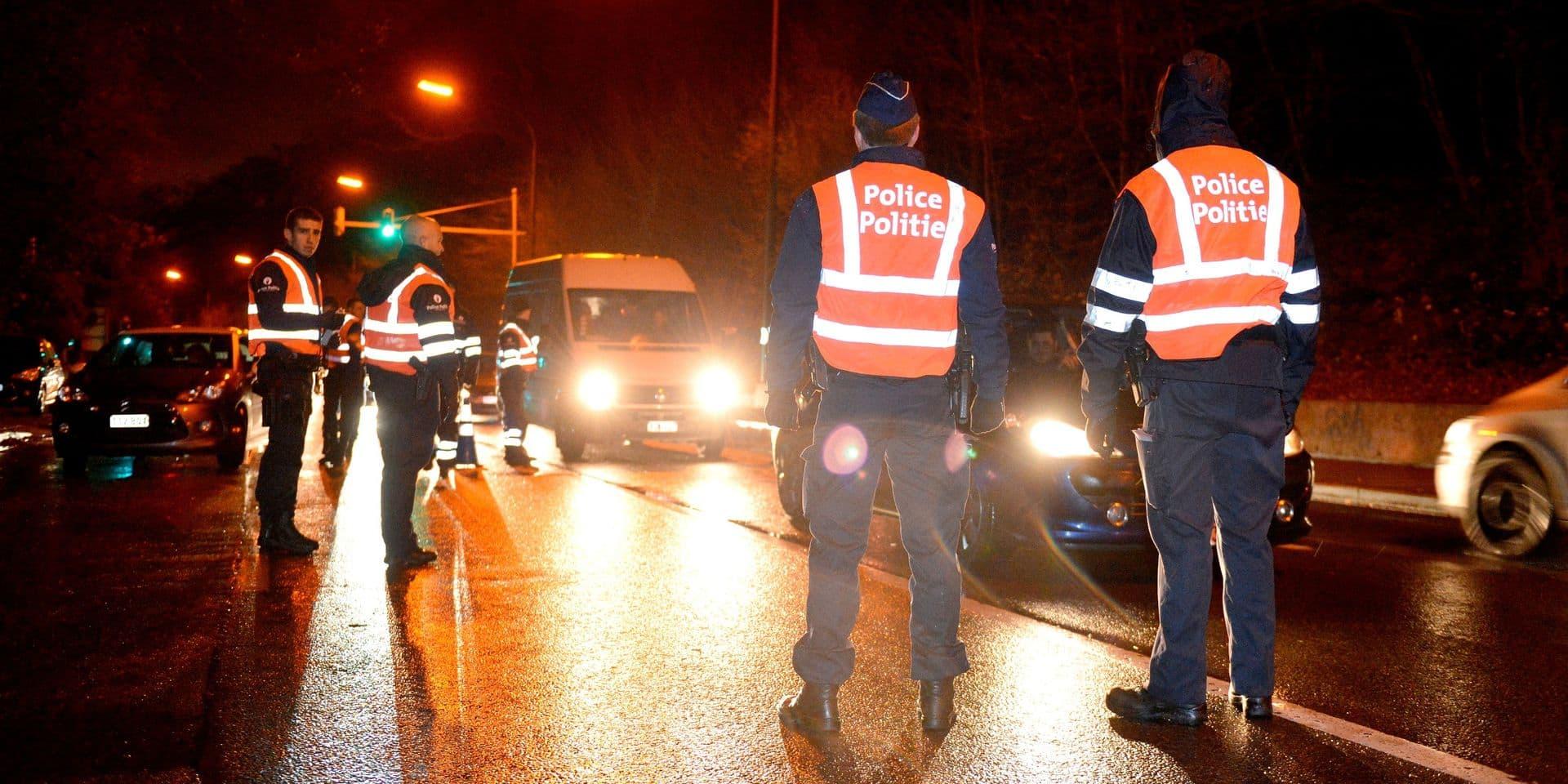 """""""De plus en plus de pays repassent au rouge"""" : les contrôles aux frontières vont être renforcés dès ce week-end"""