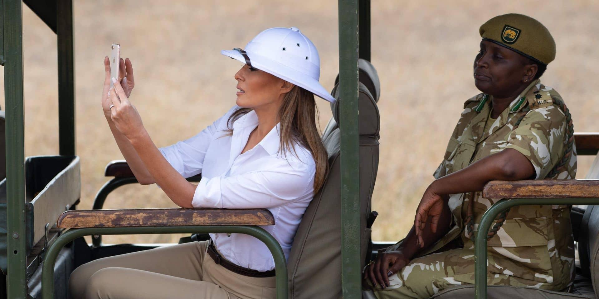 En tournée en Afrique, Melania Trump provoque un tollé à cause de son chapeau