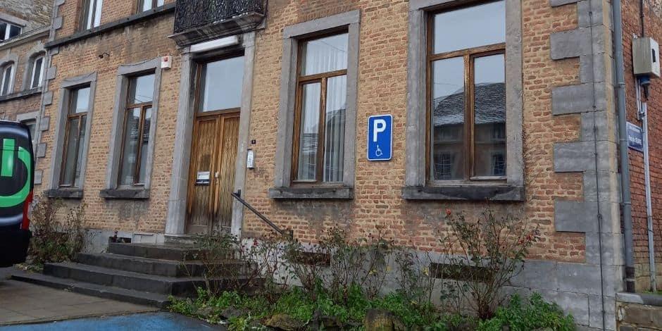 """Ancien bâtiment des contributions à Beauraing : """"Pas de décision avant l'été"""""""