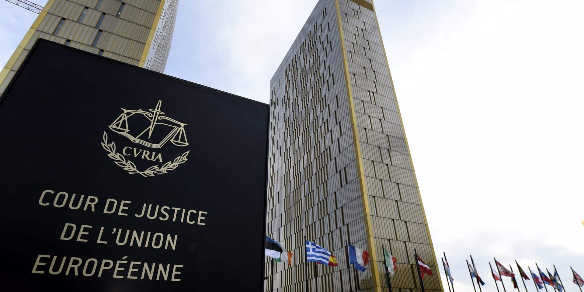 Un employeur peut interdire le port du voile au travail, pour l'avocat général de la Cour de justice de l'UE