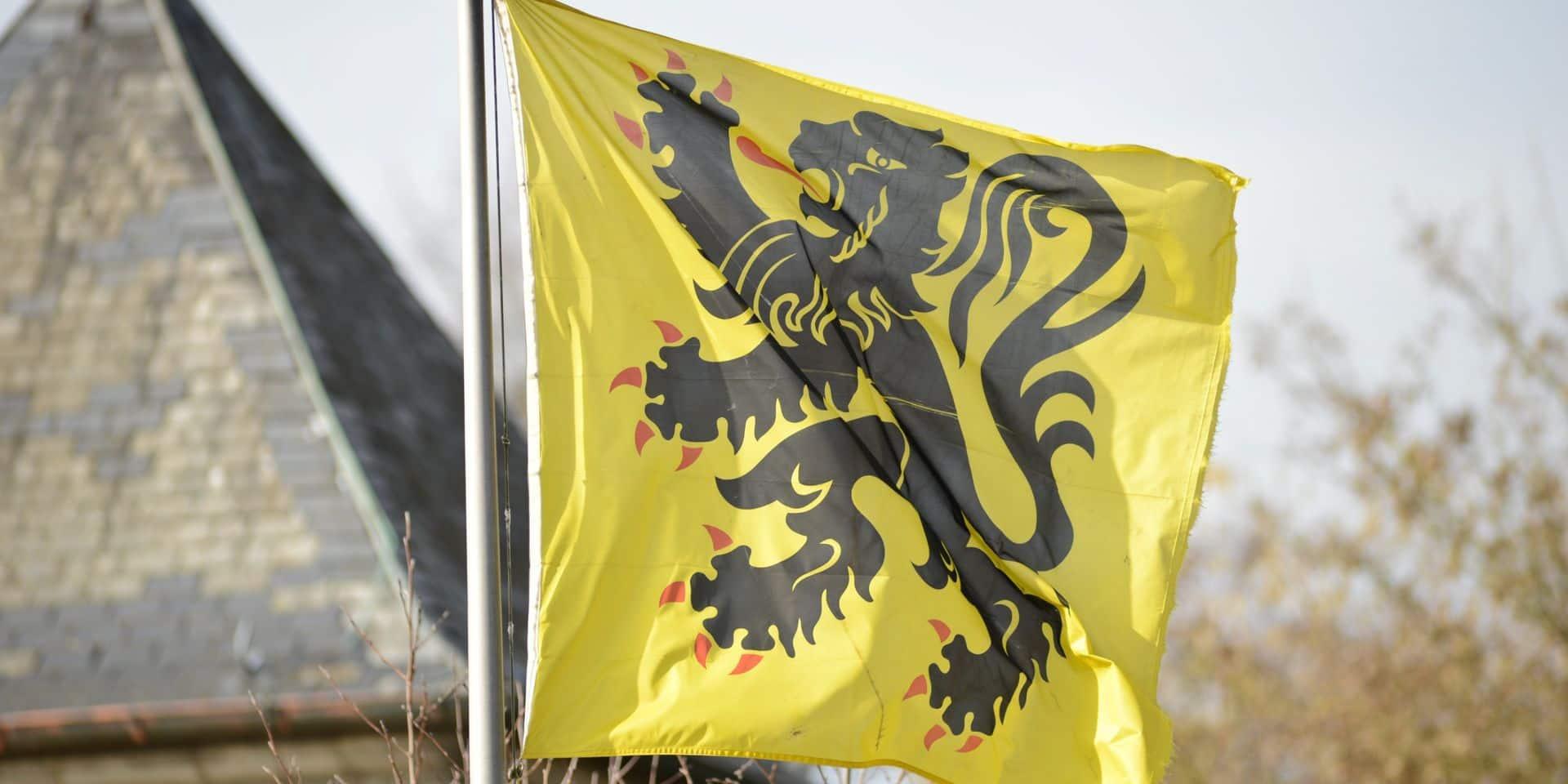 La N-VA ne veut plus que le drapeau belge passe avant le drapeau flamand
