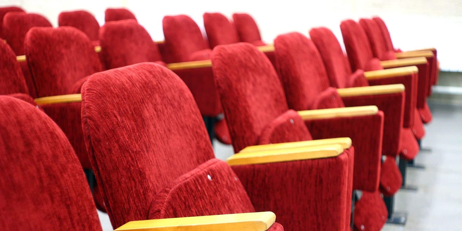 Système d'aération, lampes antivirus, sièges et sol désinfectés, horaires décalés: comment les cinémas s'adaptent pour rouvrir