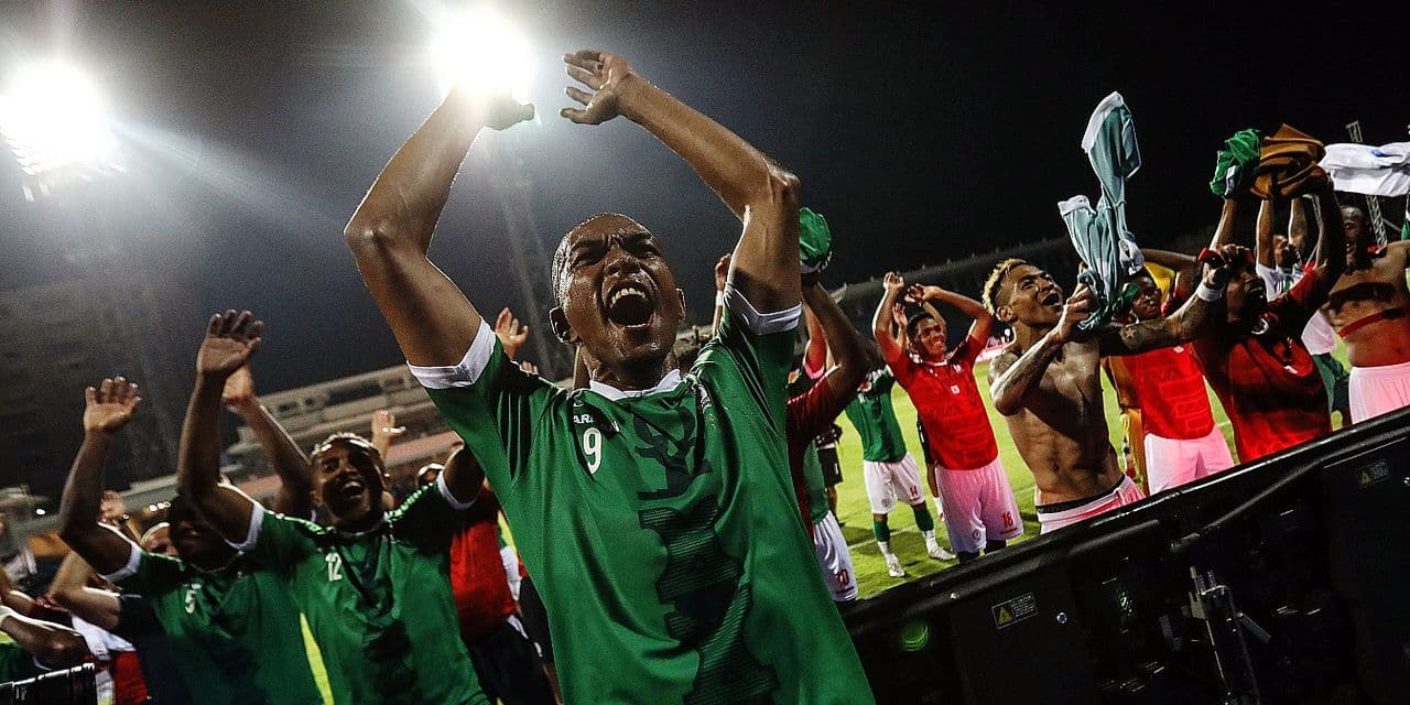 07 July 2019, Egypt, Alexandria: Madagascar's Faneva Andriatsima celebrates with team mates after the final whistle of the 2019 Africa Cup of Nations round of 16 soccer match between Madagascar and DR Congo at the Alexandria Stadium. Photo: Omar Zoheiry/dpa Reporters / DPA