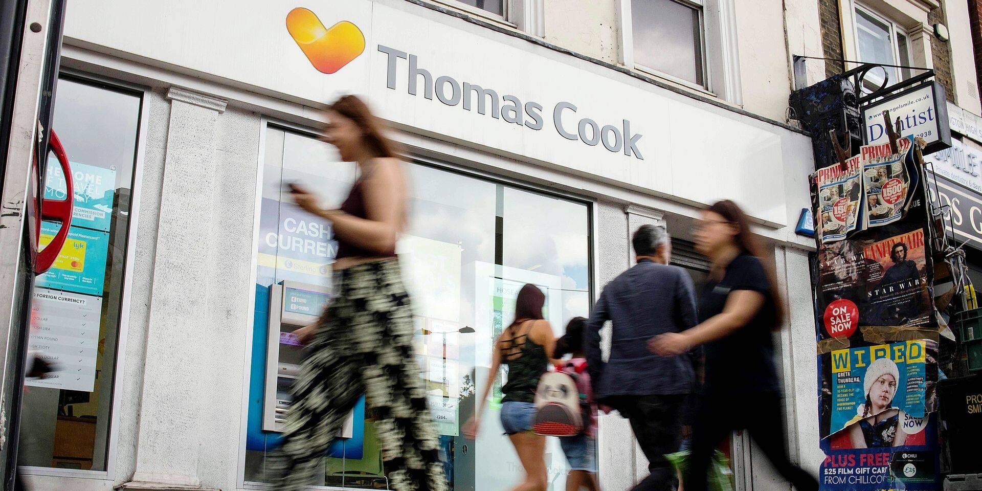 Stop ou encore ? C'est la question à laquelle plusieurs milliers de personnes, dont les quelque 22 000 employés du voyagiste britannique Thomas Cook, attendaient une réponse, dimanche soir. Tout au long du week-end, des discussions ont eu lieu afin d'éviter au groupe, coté à la Bourse de Londres, la faillite.