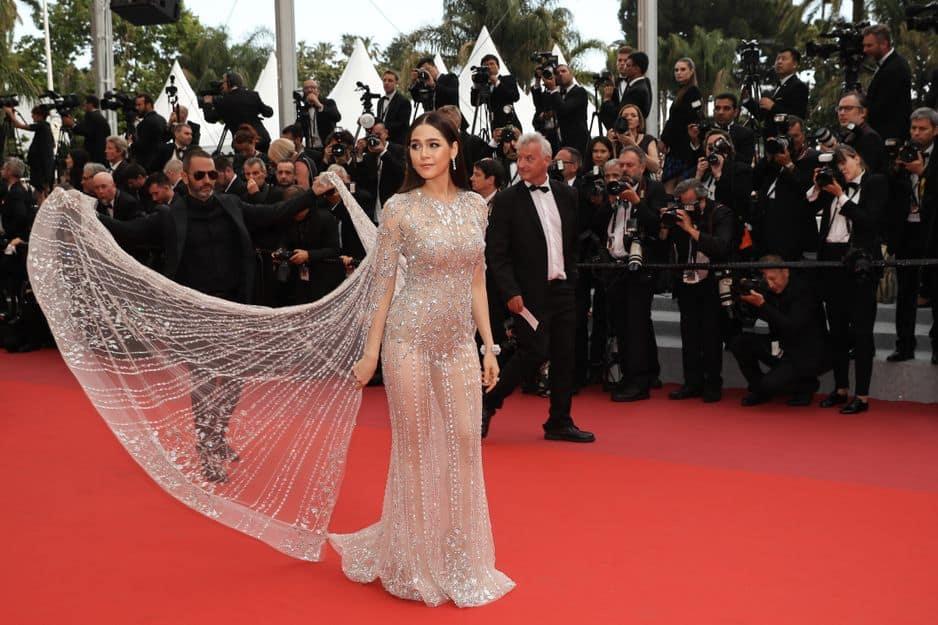 La Thaïlandaise Araya Hargate avait opté pour une robe transparente mais plutôt sage.