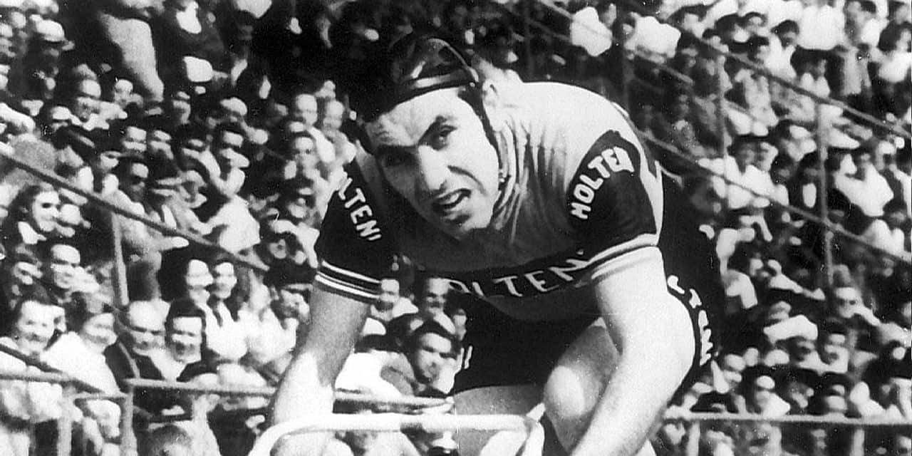 - ILLUSTRATION PICTURES OF THE CENTURY- file picture dated on 1972. Eddy Merckx win the hour record for professionals in Mexico City ( 49 kilometers,408 meters and 68 centimeters).