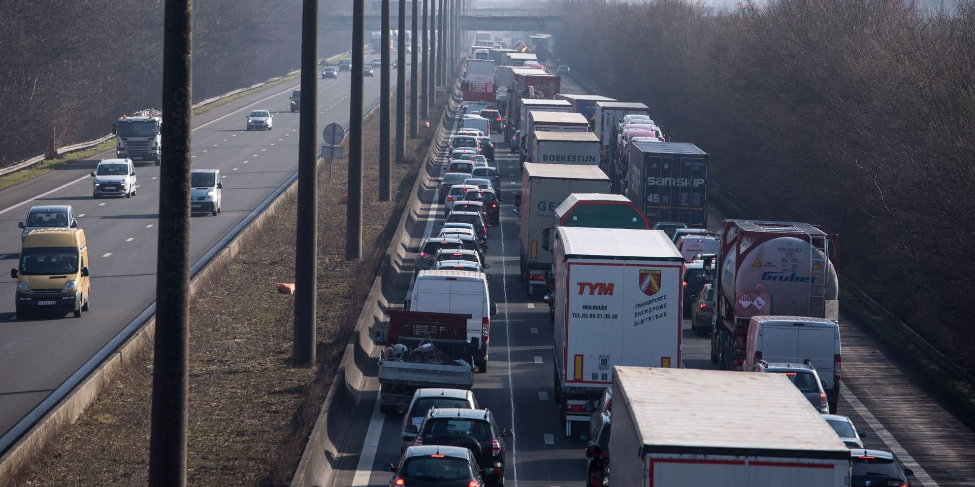 E19 : Un accident provoque 6km de files à hauteur de Houdeng-Goegnies