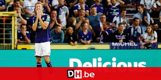 Anderlecht's Michel Vlap looks dejected during a soccer match between RSC Anderlecht and KV Mechelen, Friday 09 August 2019 in Anderlecht, on the third day of the 'Jupiler Pro League' Belgian soccer championship season 2019-2020. BELGA PHOTO BRUNO FAHY