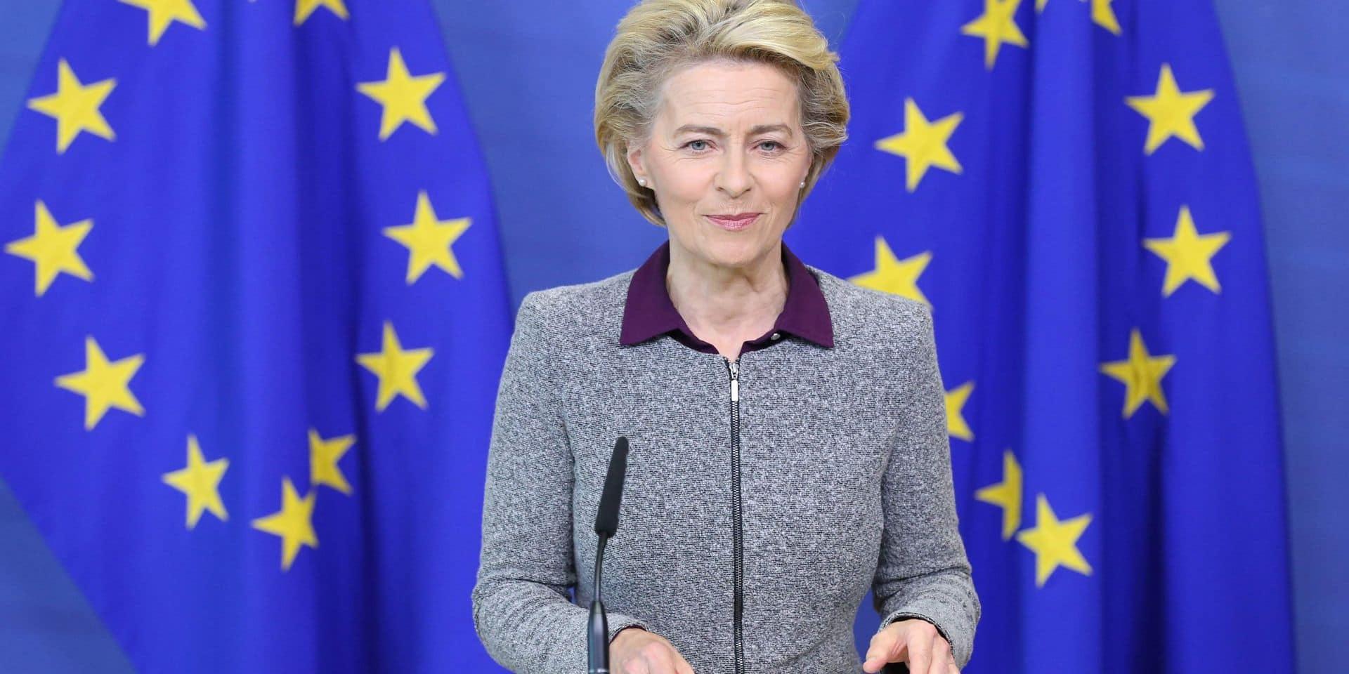 """""""C'est un grand pas vers le vaccin"""": la Commission européenne signe un contrat avec AstraZeneca"""