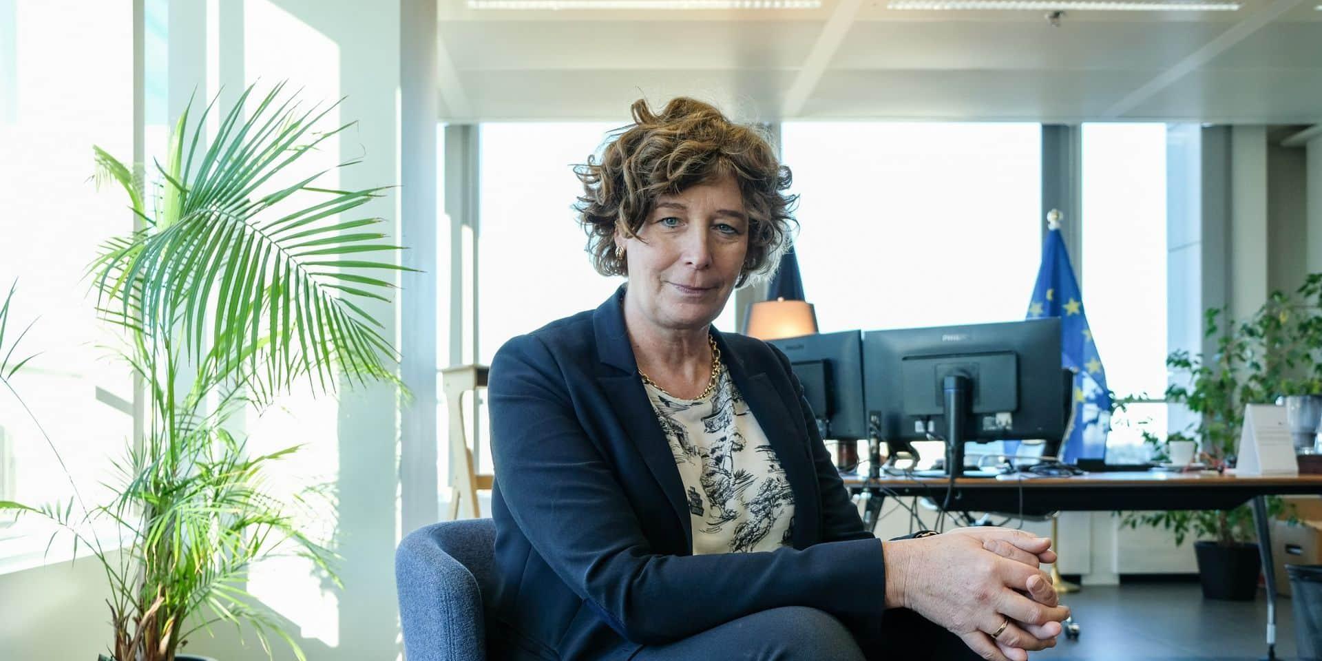 """La ministre De Sutter veut étendre et automatiser le tarif social sur Internet: """"Un grand écart entre les personnes qui y ont droit et celles qui en font la demande"""""""