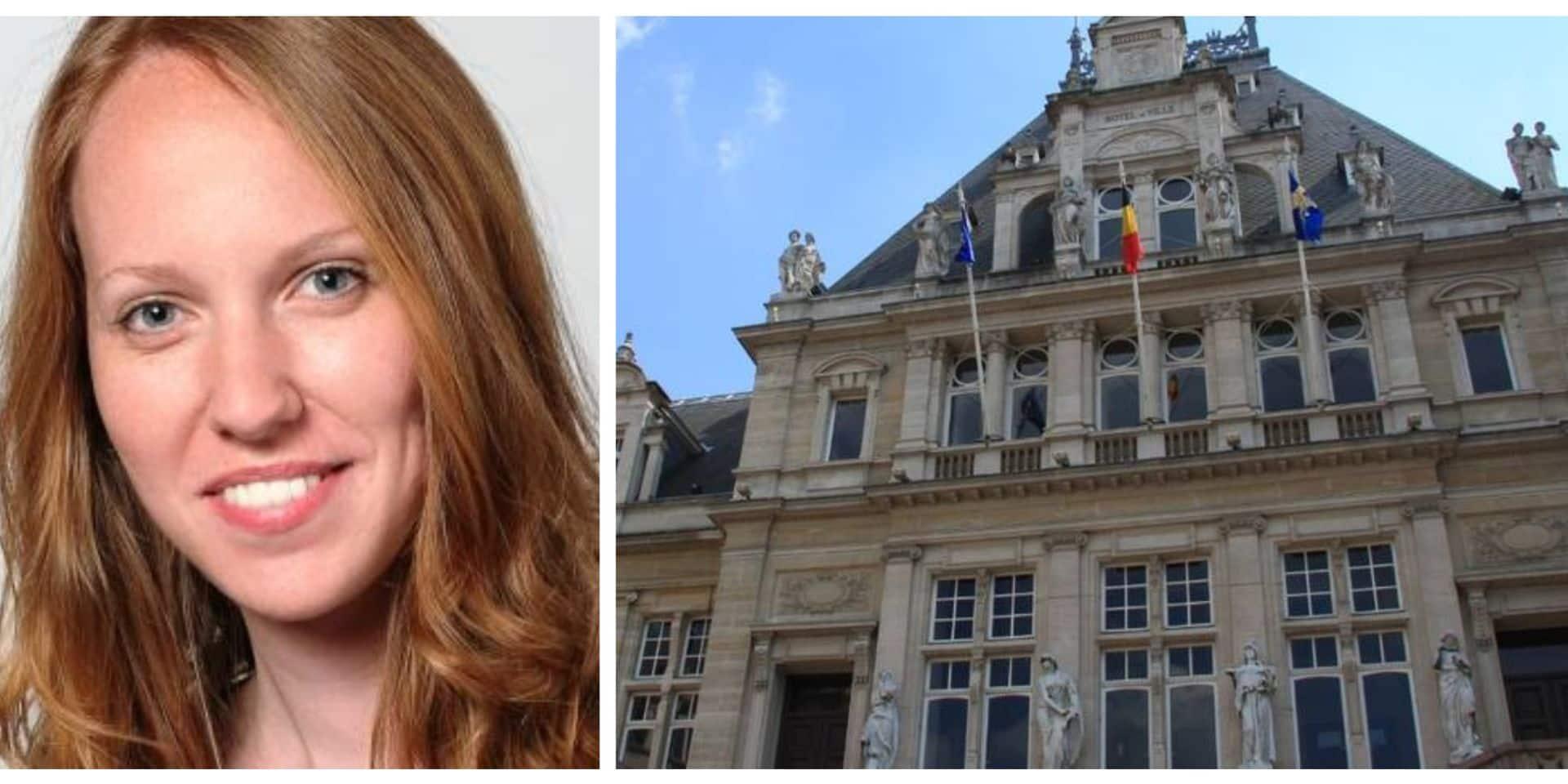 Élue à Saint-Gilles, elle rejoint le Rassemblement National de Marine Le Pen